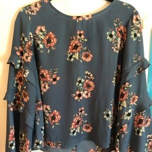 LUSH LONG SLEEVE FLORAL TOP